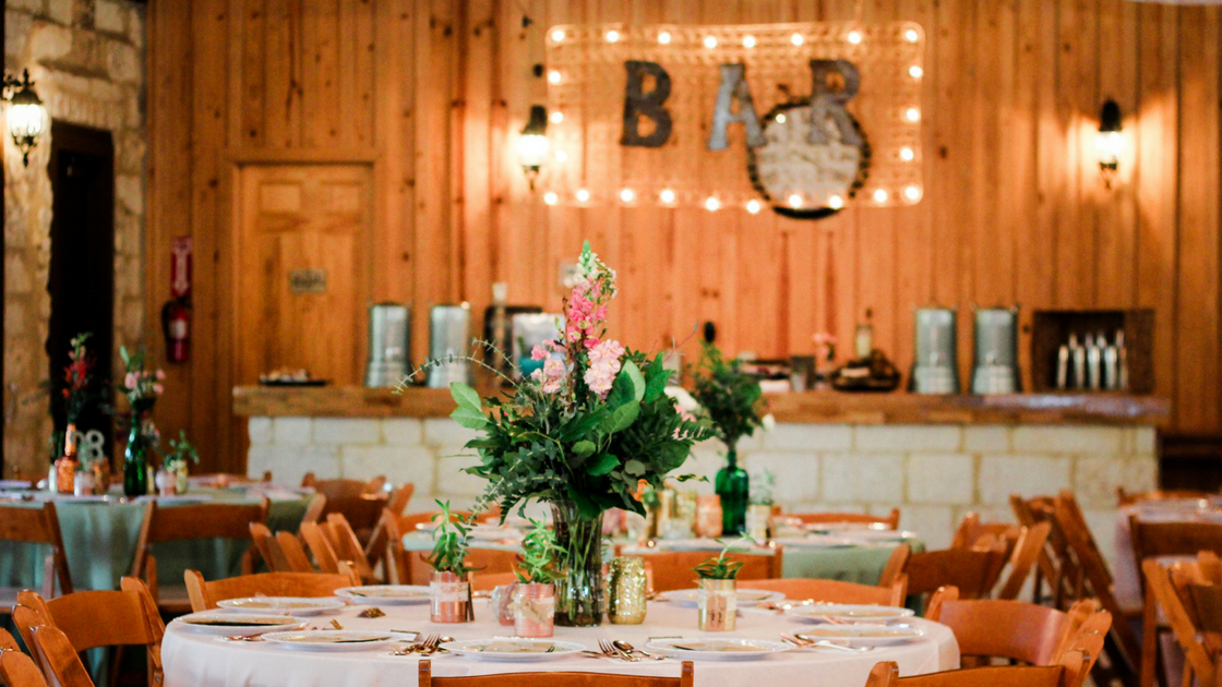 All the bohemian details and wooden decor for the reception.